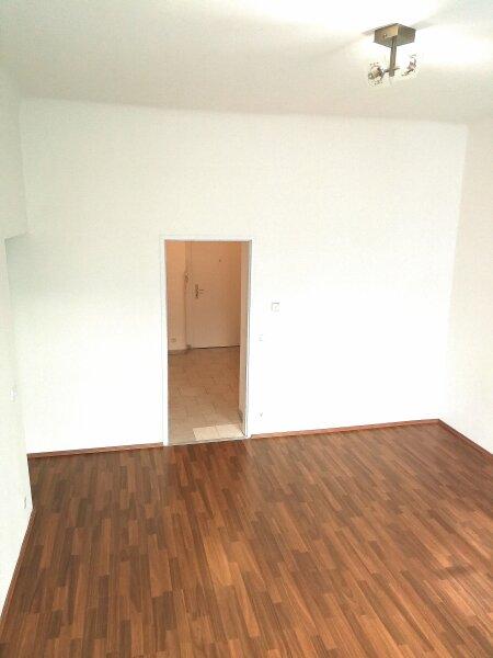 NEUWERTIGE  ALTBAUWOHNUNG - 3 Zimmer -  LIFT - U Bahn Nähe - BEZUGSFERTIG - KFZ STELLPLATZ /  / 1060Wien / Bild 9