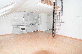 2-Zimmer - Dachgeschosswohnung in Top Lage