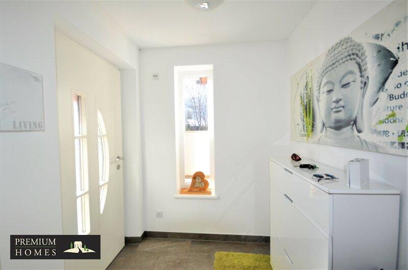 Kirchbichl Zweifamilienhaus_verwirklichte Ideen der Gemütlichkeit_Eingangsbereich