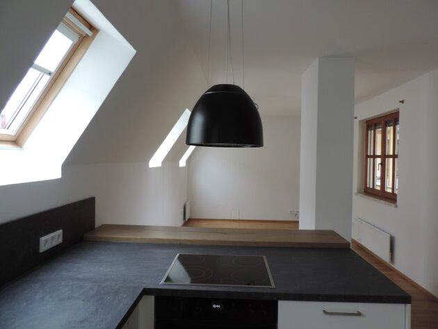 Erstbezug nach Sanierung kleines Dachgeschoss Kaisergasse