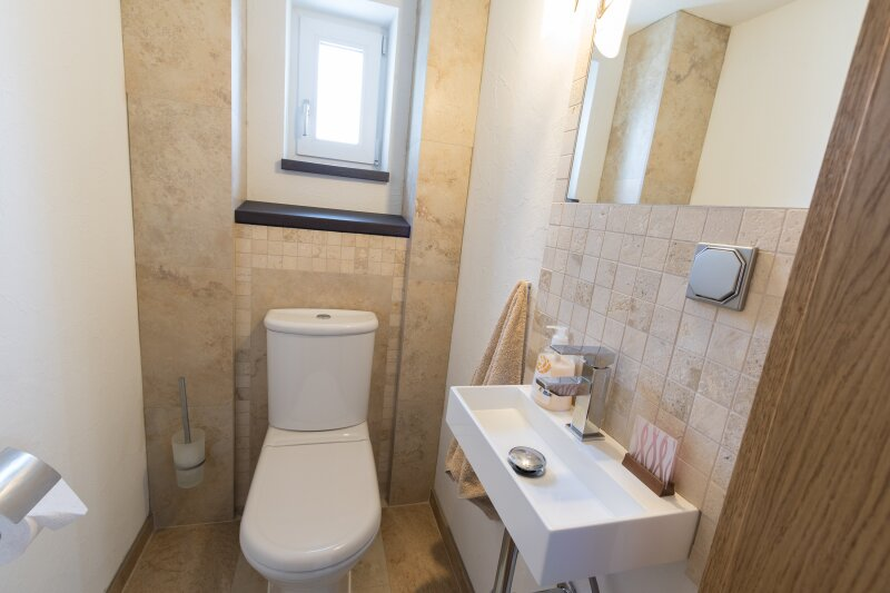 Einzigartiges Haus im Villen-Stil Nähe Wr. Neustadt - Provisionsfrei! /  / 2700Wiener Neustadt / Bild 9