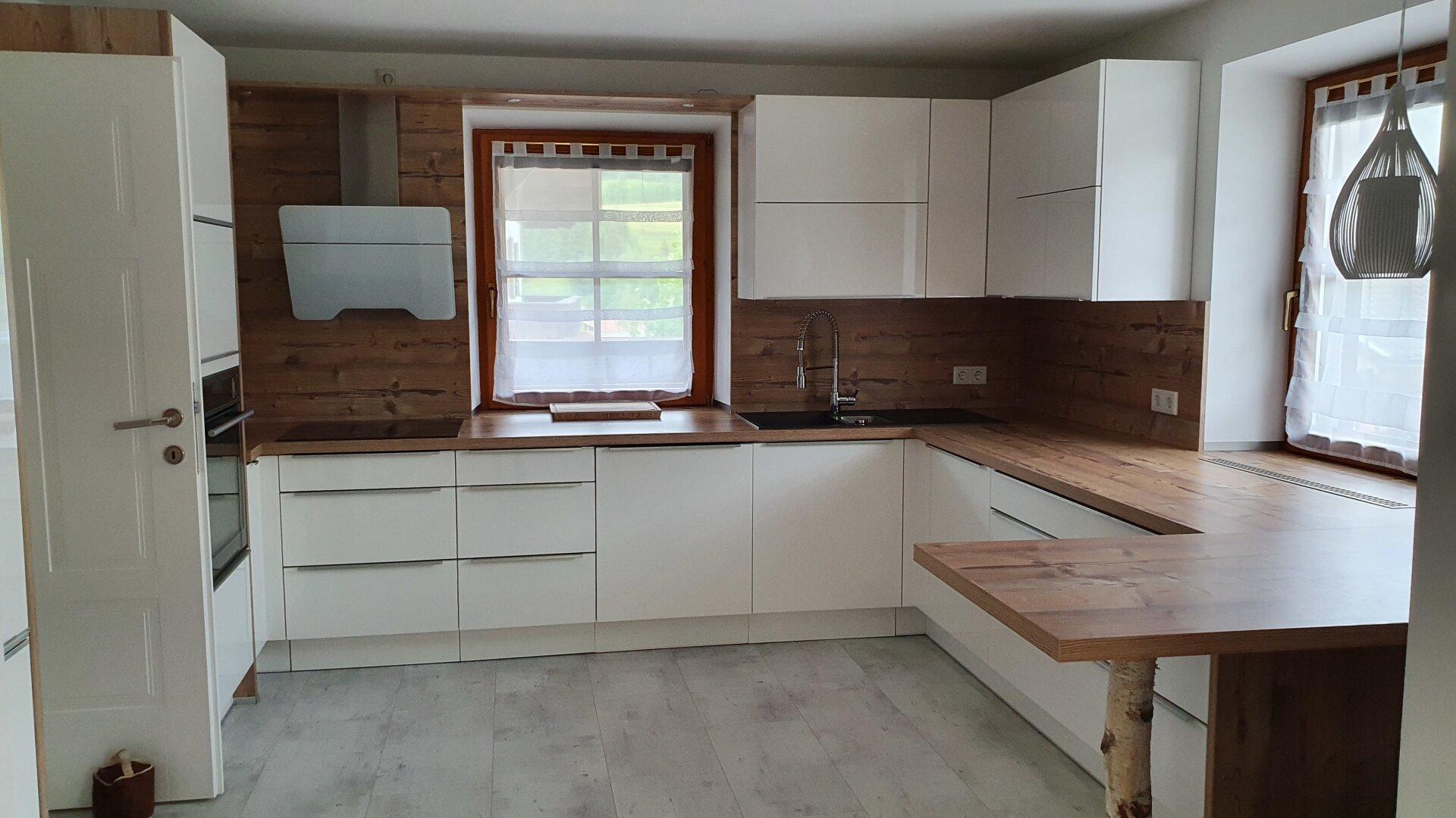 hochwertige Küche Ansicht 1, Einfamilienhaus Fieberbrunn