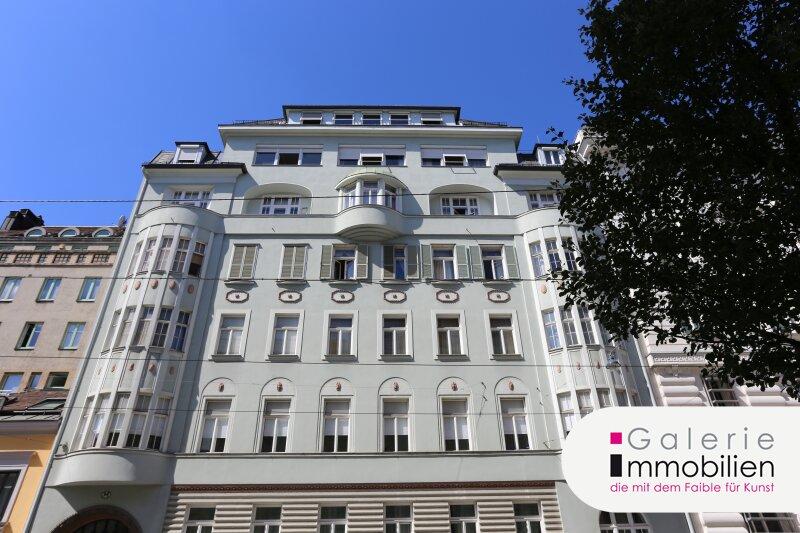 Innenhoflage - Wohnen und Arbeiten in traumhaftem Stilaltbau - Atelier/Büro/Studio usw. Objekt_33407