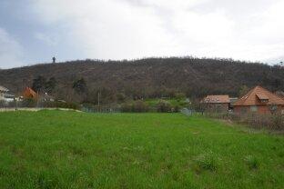 Grundstück mit Panorama auf den Balaton. Einmalige Möglichkeit! 25% bebaubar! Teilbar!