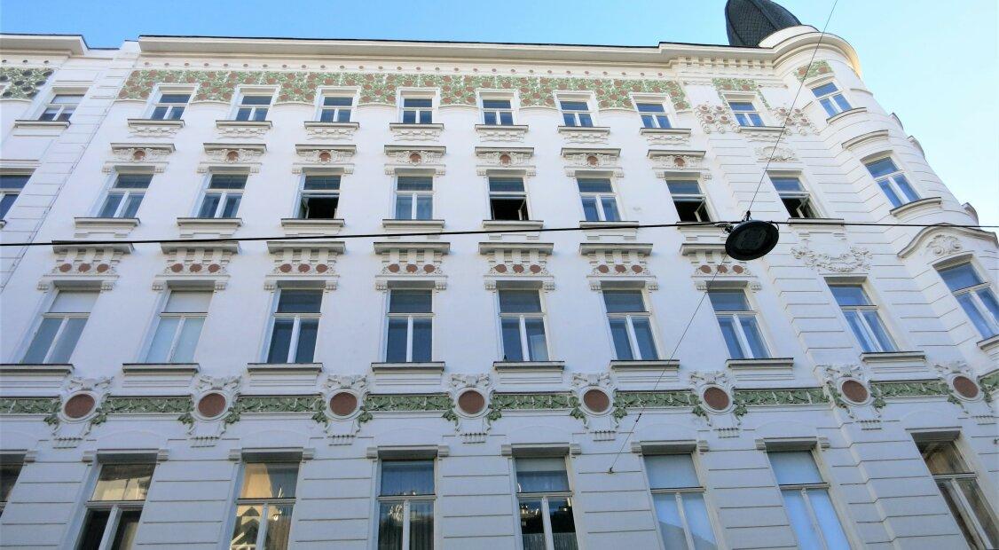 Best of Vienna - Hochwertiges Dachgeschoss mit herrlicher Dachlandschaft in Jugendstil Altbau