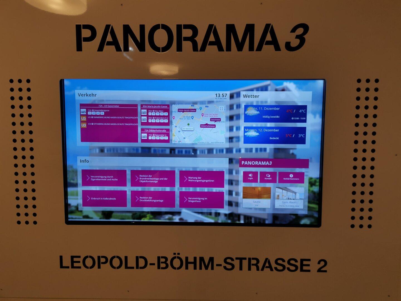 Informationsscreen im Stiegenhaus