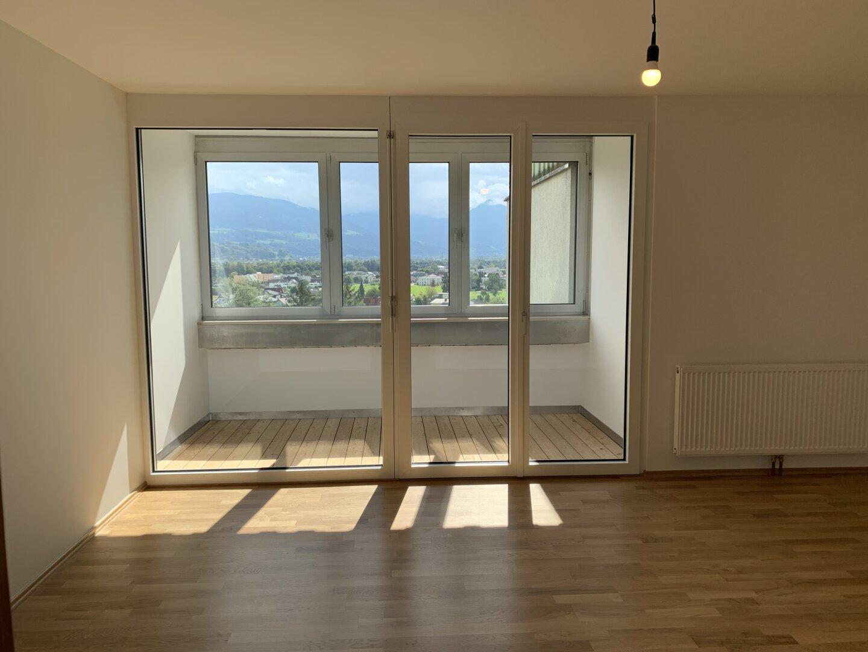Wohnzimmer, neuer Balkon