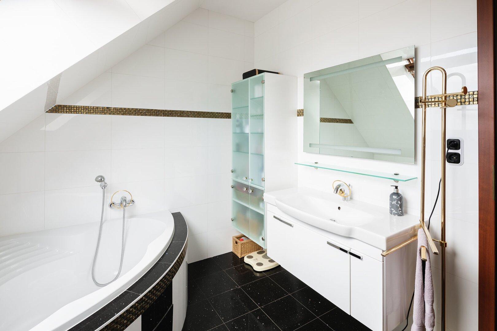 Badezimmer mit Toilette_OG