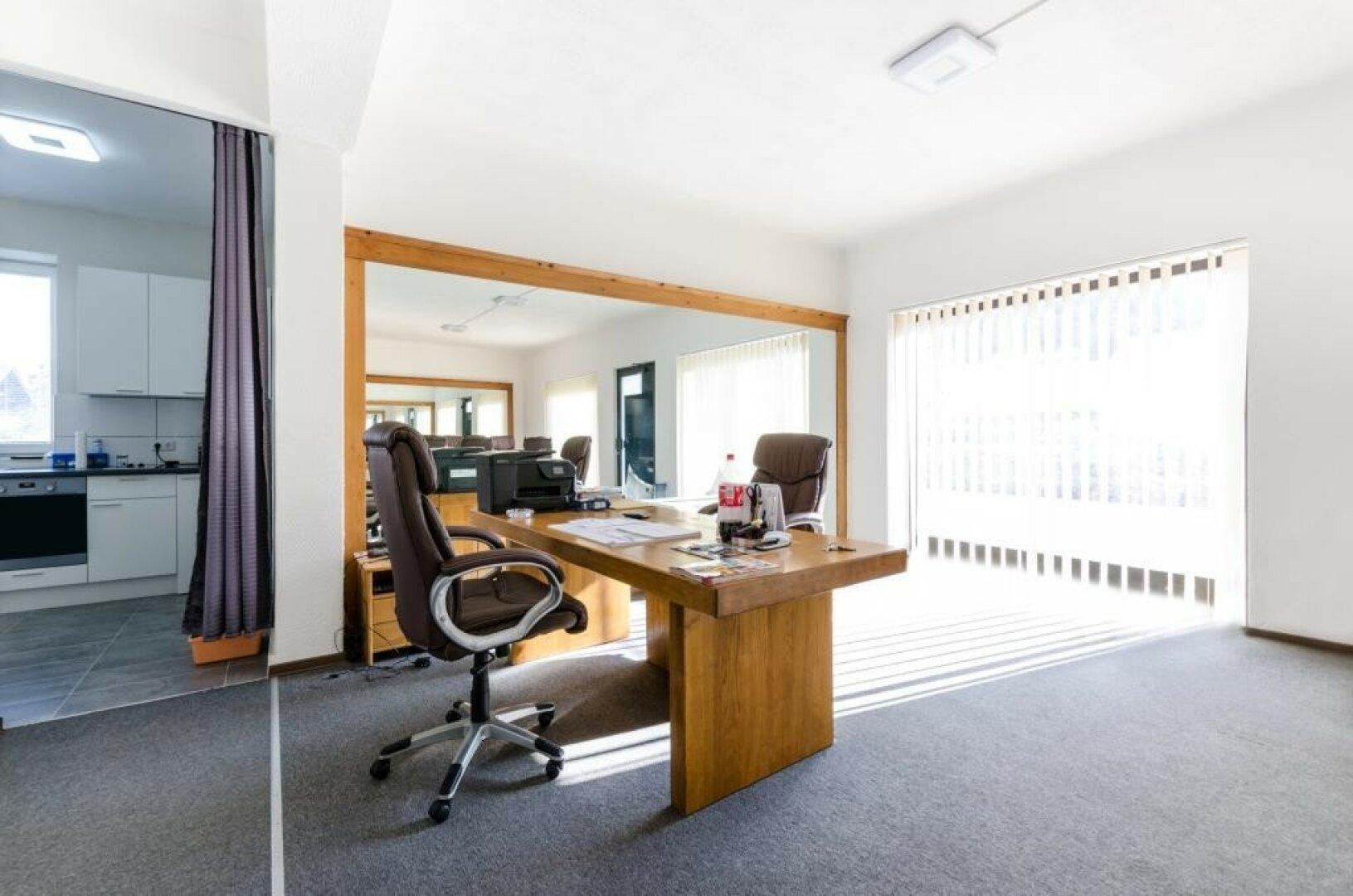 Büro_Geschäft