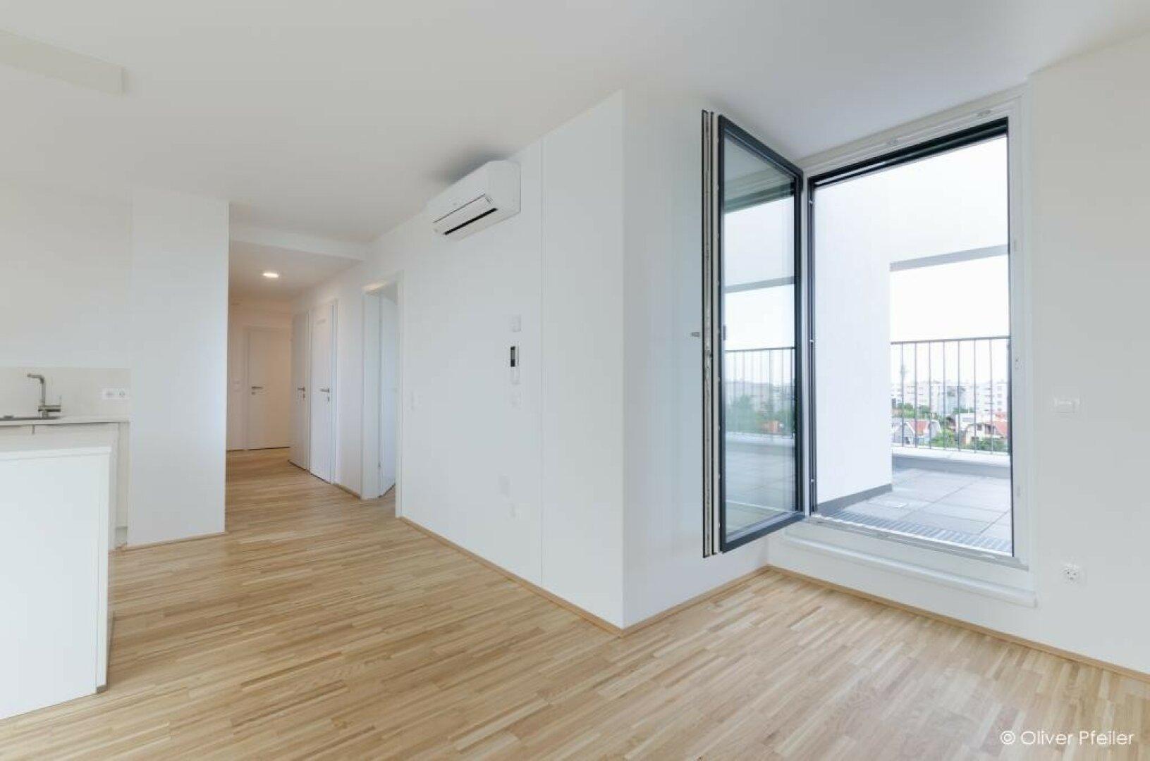 Blick vom Wohnzimmer richtung Zimmer