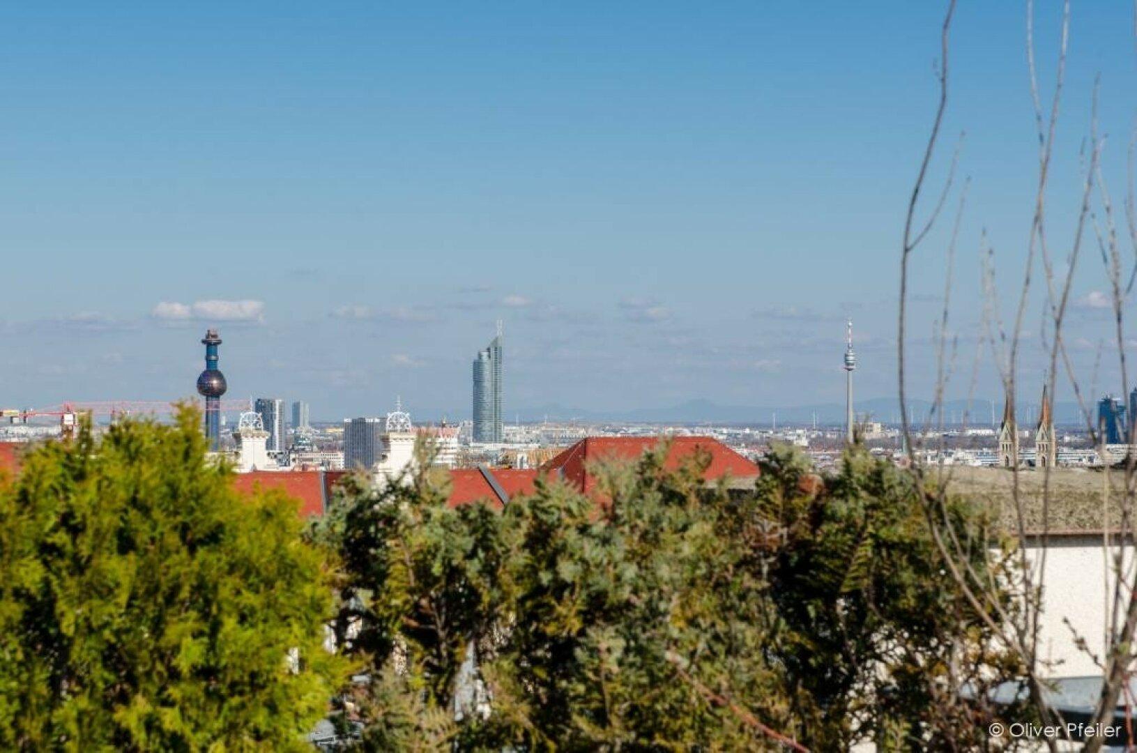 Blick Richtung Donauturm/Milleniumtower