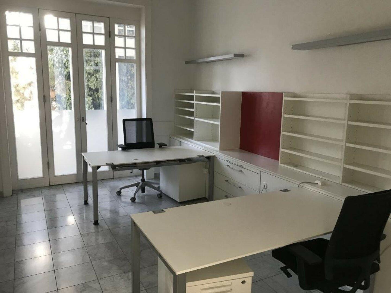 Weiterer Büroraum mit Wintergarten