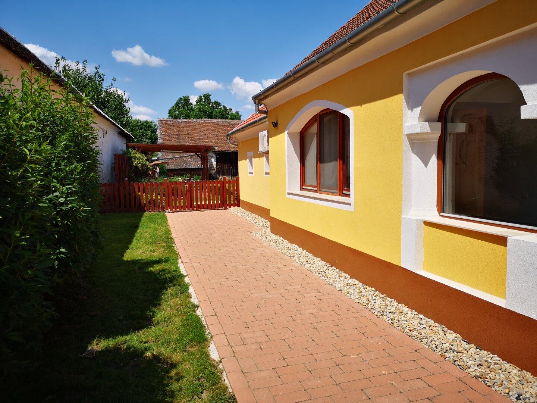 Innenhof, Blickrichtung Garten
