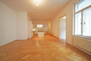 LANGE GASSE | ruhig gelegene 3-Zimmer-Altbauwohnung mit zwei Balkonen