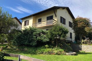 Ein- bzw. Zweifamilienhaus in sonniger Lage mit Sanierungsbedarf unweit des Kraiger-Sees