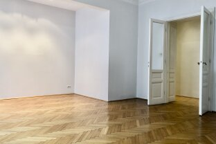 Representative 3 room old-style apartment near to subway