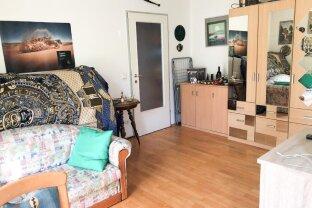 Für Anleger: vermietete 2-Zimmer Wohnung Plüddemanngasse nahe Schillerplatz