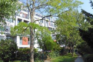 Wohnung mit Haus-Feeling, eingebettet in Grün