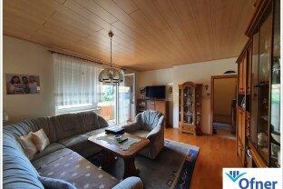 Top gepflegte 2-Zimmerwohnung mit Balkon und Garage in Zentrumsnähe