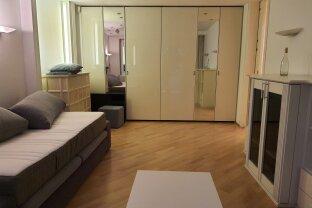 2 Zimmer-Wohnung mit Loggia in ausgezeichneter Grünruhelage