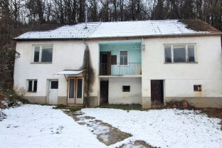 Rattersdorf: Grundstück in ruhiger Lage mit stark baufälligem Haus