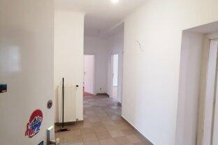 108m² 3 Zimmer Wohnung / große Loggia