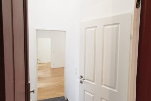 Erstbezug, renovierte 1 1/2  Zimmer Wohnung, zentrale Lage