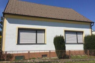 Kleines Haus mit Stadl