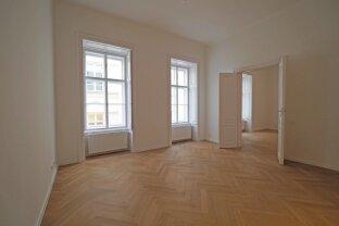 LANDHAUSGASSE | ERSTBEZUG | 3-Zimmer-Atlbauwohnung Nähe Minoritenkirche