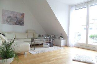 +++Wunderschöne und helle Dachgeschoßwohnung mit 3 Terrassen und Tiefgaragenplatz in Grünruhelage!+++