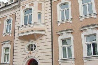 Kleines Zinshaus/Herrenhaus/Palais in Innenstadtnähe in 2700 Wiener Neustadt - Zentrum, Obj. 12519-CL