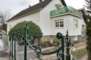 St. Michael: Geräumiges Einfamilienhaus mit Nebengebäude