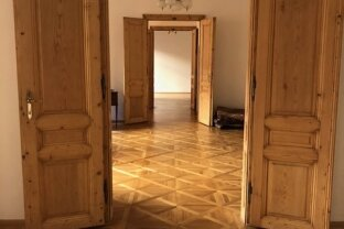 Repräsentative Altbauwohnung in Stadtpalais- absolute Ruhelage!