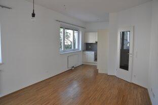 Loggia-Wohnung, ideal für Singles und Paare!