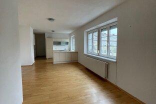 Sanierte 2 Zimmer Wohnung in Innsbruck - Pradl