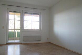 Jennersdorf: Mietwohnung, provisionsfrei mit Balkon
