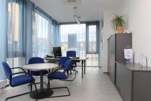 Geschäftslokal / Büro- & Schulungräume - 401 m² - Topstandort - Salzburg Maxglan nahe Flughafen