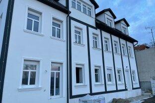Gartenwohnung mit Fernblick und Terrasse, Erstbezug nach Sanierung, moderne Ausstattung, Top 5