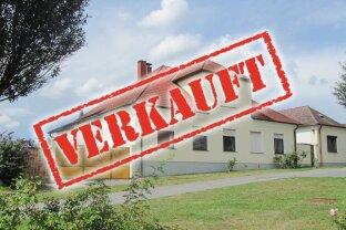 ERFOLGREICH VERMITTELT - Gepflegtes Landhaus mit Gästehaus und kleinem Garten