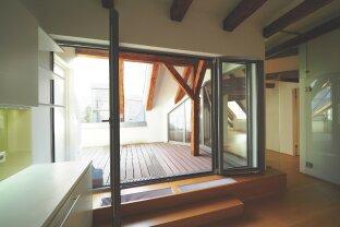 WOLLZEILE   außergewöhnliche 3-Zimmer-Dachgeschosswohnung mit Terrasse in historischen Innenstadthaus   U1, U3 Stephansplatz bzw. U3 Stubentor