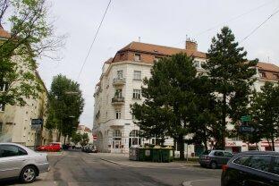 2 Zimmer Eigentumswohnung- ruhig gelegenes Eckhaus- hell- gut geschnitten !