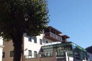 BAD ISCHL: 2-Zimmer Wohnung mit Terrasse am Kurpark