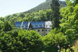 Elegantes, klassizistisches Jagdschloss als Firmensitz/Privatresidenz nahe Wien!
