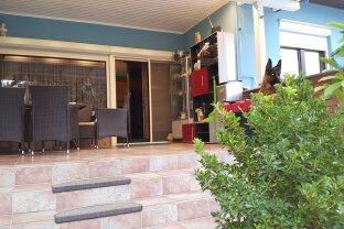 ERHOLUNGSGEBIET: Haus mit Garten + Pool + Garage + Sauna + Fitness
