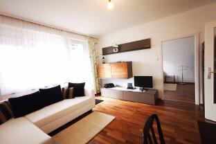 Modern möblierte 2 Zimmer Wohnung mit Balkon und Stellplatz mit perfekter Anbindung !