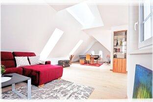 613 – ERSTBEZUG! Luxuriöse 4-Zimmer-Dachresidenz im Biedermeier-Schlössl in Maria Enzersdorf, mit 3 Terrassen und 1 Balkon – PROVISIONSFREI!