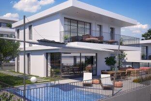 Neubauvilla mit Garten Terrasse und Pool