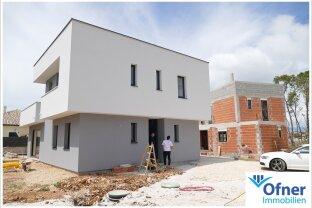 Kroatien: zwei Häuser in Strandnähe zu verkaufen
