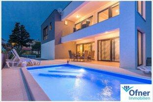 Region Zadar: neues Haus mit drei Schlafzimmern, attraktivem Pool und Strandnähe