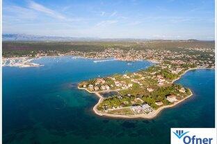 Gut vermietete Wohnanlage mit fünf Wohnungen direkt am Meer - Halbinsel Punta in Sukošan